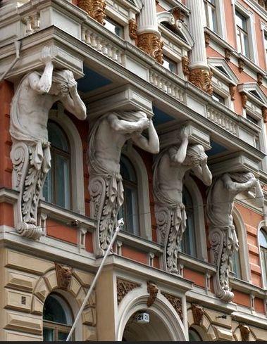 L'architecture d'Helsinki, mêlant néoclassique, Art Nouveau,