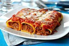 I Cannelloni di carne al forno, primo piatto della tradizione italiana. Semplici e sempre graditi.