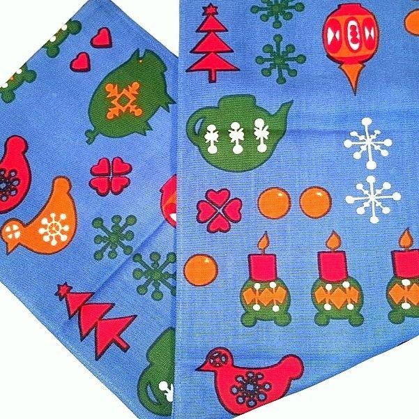 Retro Christmas Swedish textile table runner - 1970s. #retro #swedish #christmas #textile #1970 #svenskjul #tekstil #bordløber. From www.TRENDYenser.com. SOLGT/SOLD