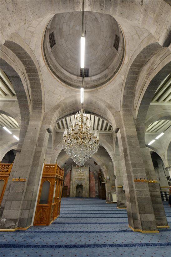 Kayseri Ulu Cami   Anadolu Selçuklu Sanatı   Okur Yazarım