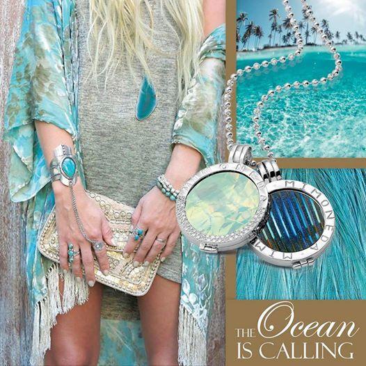 Mi Moneda silver pendant and necklace with Roca White Disc and Fiesta Azur Disc Love #MiMoneda