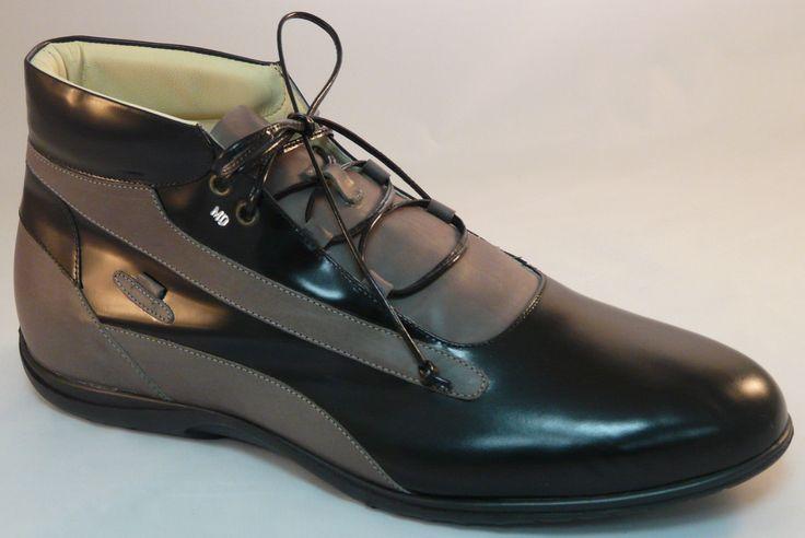 """ALL BLACK SNEAKERS...le scarpe """"fatte su misura"""" esclusivamente per te; scegli tu pellami e colori, lacci e rifiniture, suola e cuciture. Inviaci due foto del piede e noi provvediamo a realizzare le tue scarpe...uniche al mondo. La personalizzazione termina con l'incisione a caldo del tuo monogramma!!! Un'esclusiva su www.mirabiliashop.com  Le eccellenze italiane al 100%"""