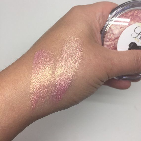 JUMBO 57mm Pan in Compact - Strawberry Swirl Highlighter for Face & Eyes A beautiful strawberry rose gold duo chrome highlighter All handmade &