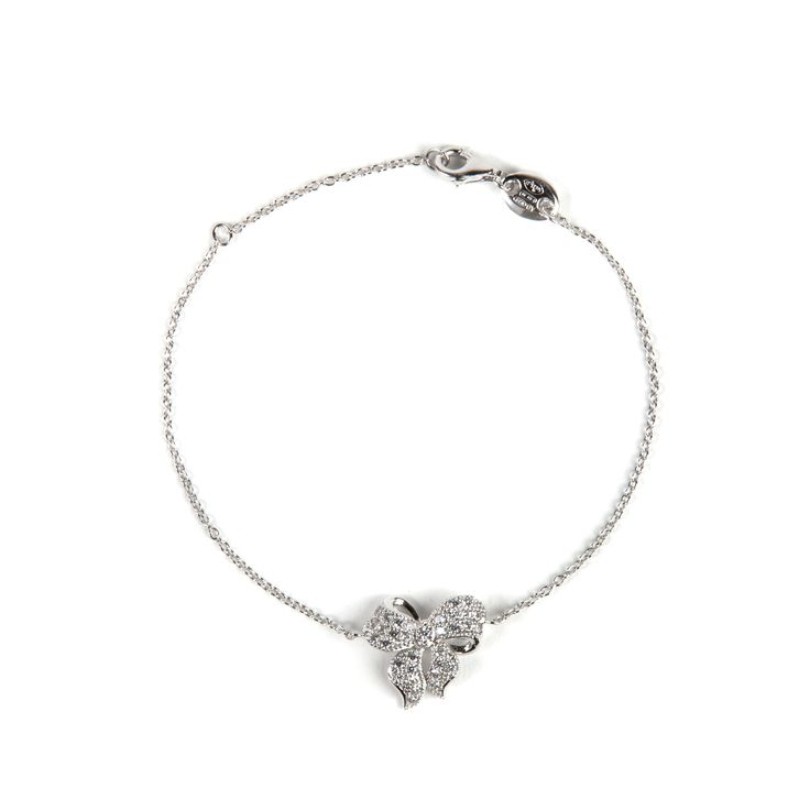 The perfect #gift for a graduation or a birthday event. Soon available at our #shoponline. Silver bow bracelet.