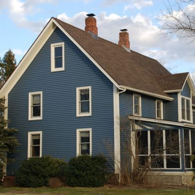 12 best roof and house color combinations images on for Blue siding house