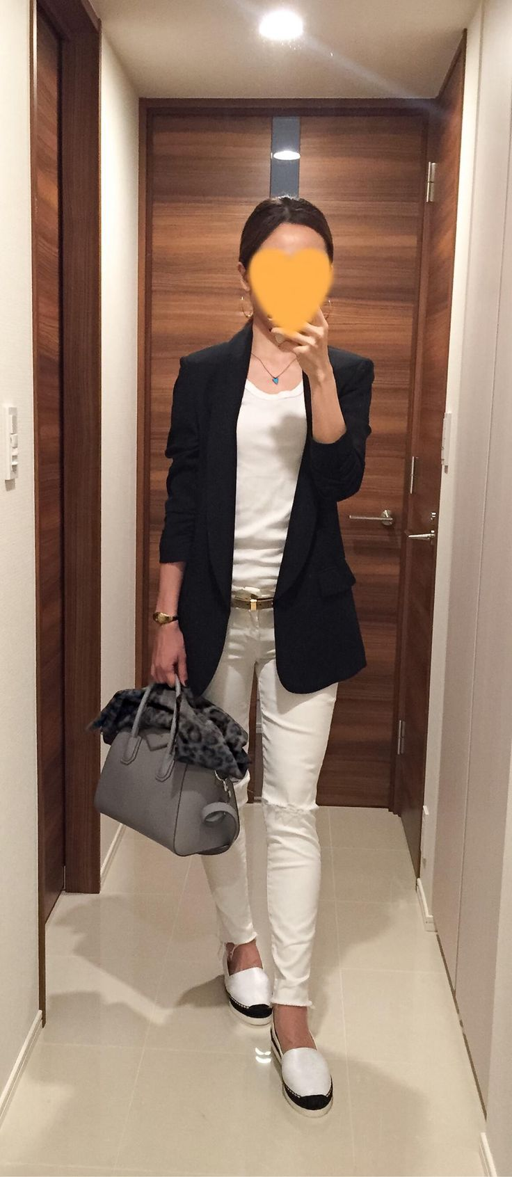 Black jacket: SISLEY, White tee: Three dots, White skinnies: Mother, Grey bag: GIVENCHY,  Espadrille: DRESSTERIOR