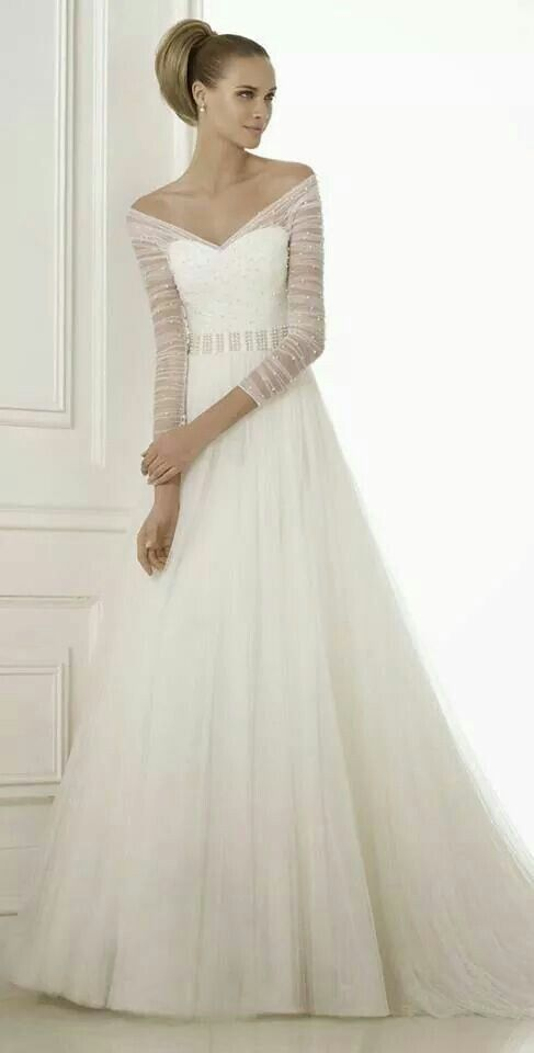 Beautiful gown by pronovia