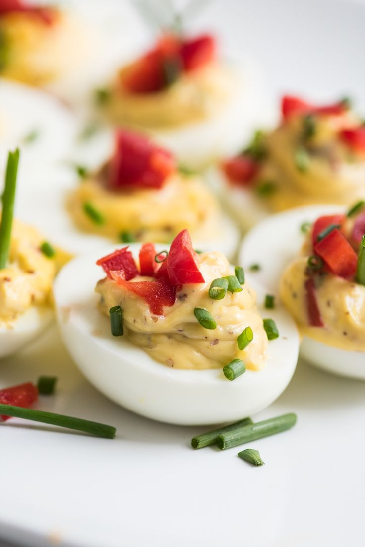 Best Deviled Eggs Recipe | Easter recipes, party appetizers, entertaining tips and party ideas from @cydconverse