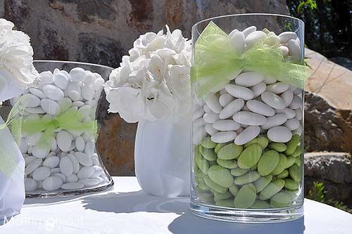 Confetti per un matrimonio a tema bianco e verde. Foto by Just Married - Wedding planner Trento (TN)