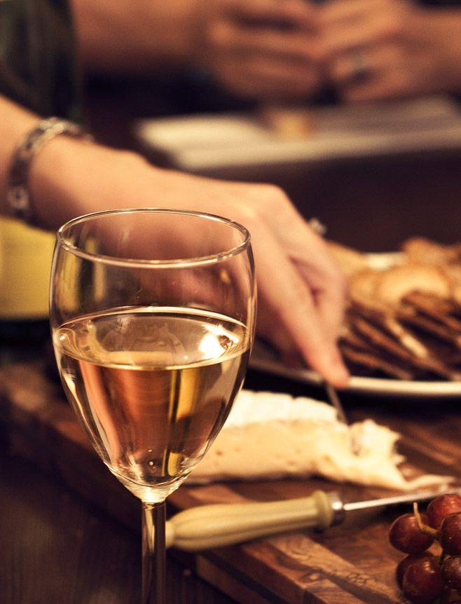 Comment réussir une dégustation de vins et fromages - Tout sur les fromages - Fromages d'ici