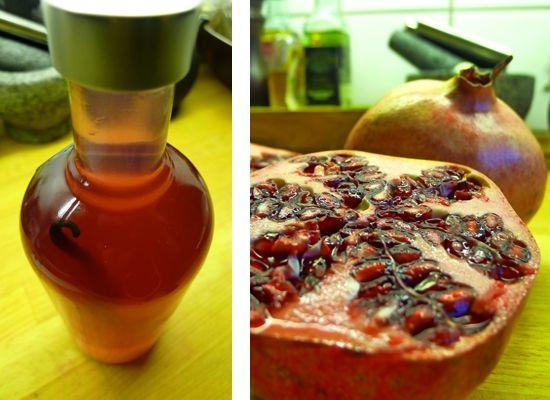 Vodka med granatæble og vanilje - http://madgrisen.dk/vodka-med-granataeble-og-vanilje/