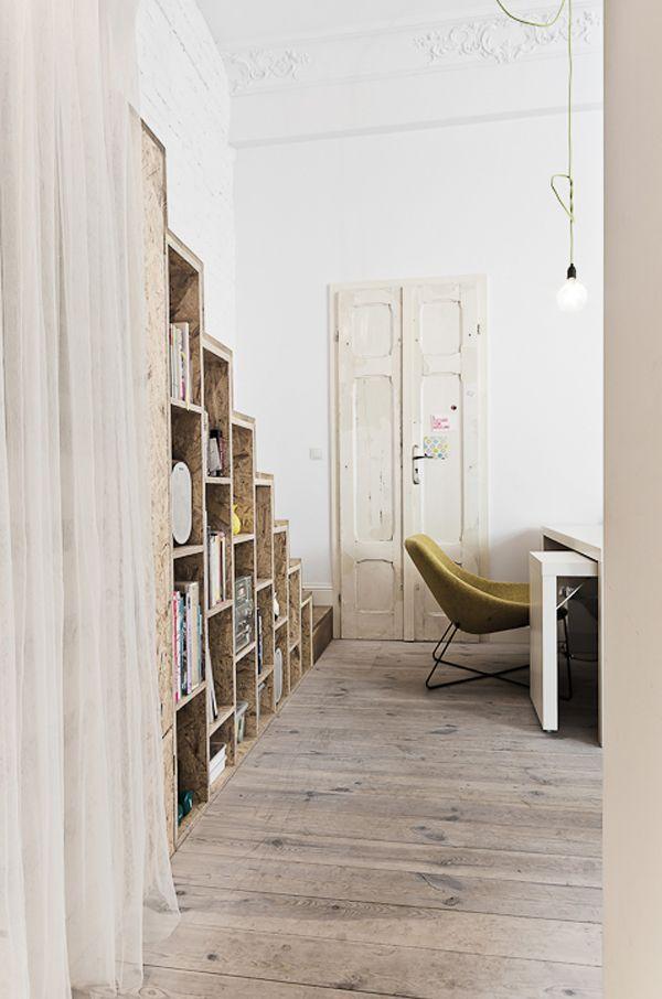 Stijlvol wonen op minder dan 30 vierkante meter - Roomed | roomed.nl #small #living #spaces #interior #inspiration #poland #wood #vintage #door