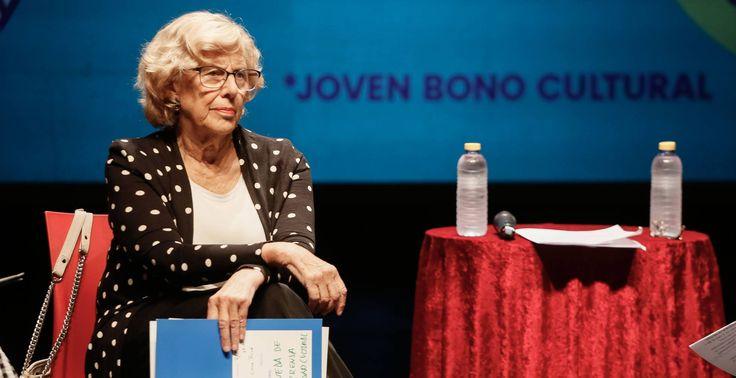 """Manuela Carmena durante la presentación del """"Joven Bono Cultural"""" en el Circo Price."""