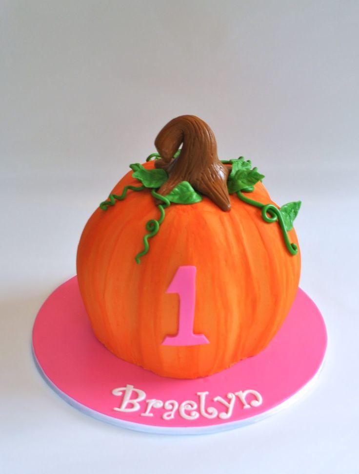 Sculpted Pumpkin Smash Cake