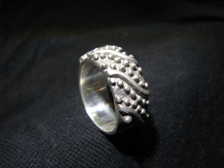 Chunky silver ring with unusual ball design by Didikais on Etsy