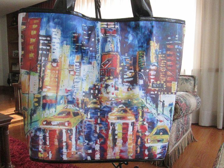 Cartera NYC colors Dimensiones: 48x36cm