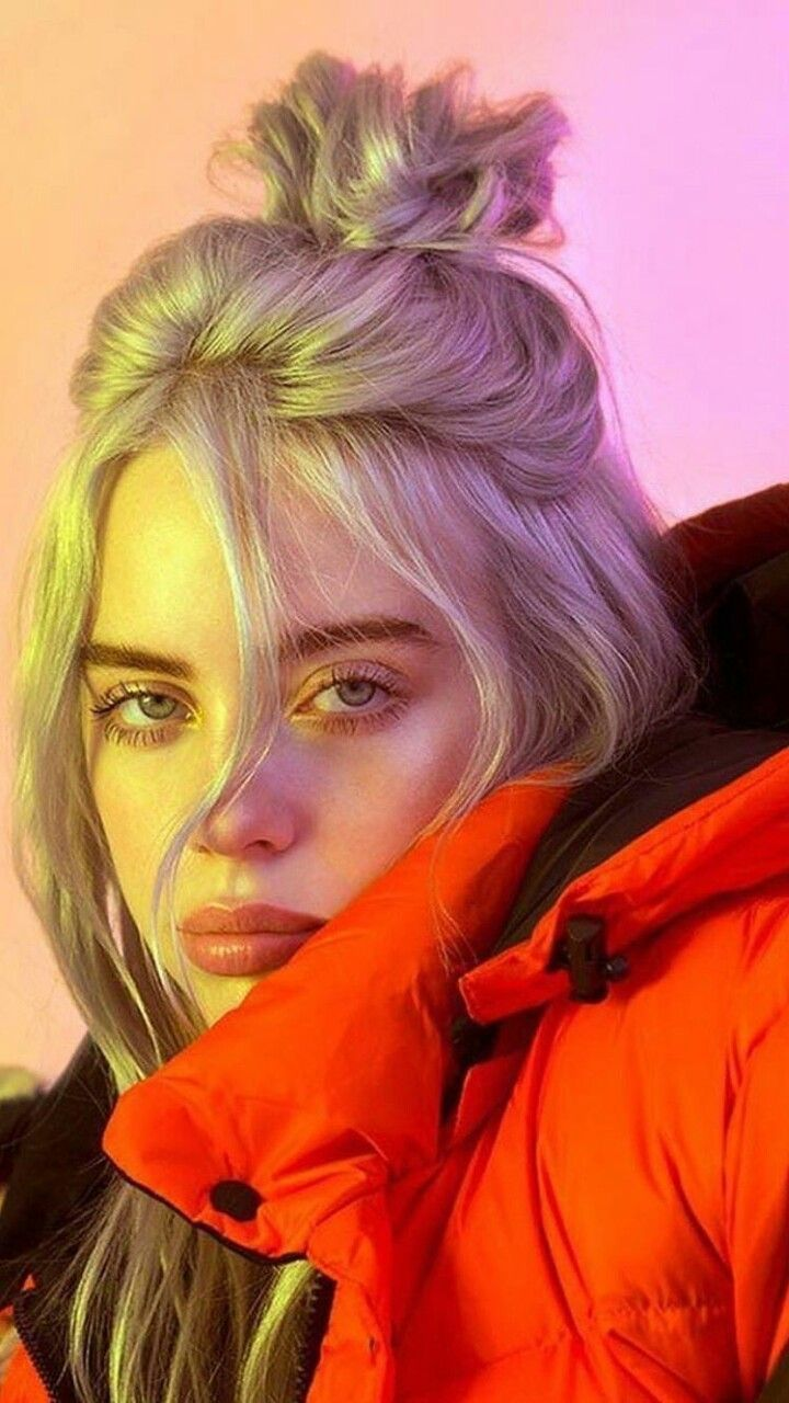 Idée Maquillage 2018 / 2019 : Billie Eilish She is so gorgeous, i love her so m…