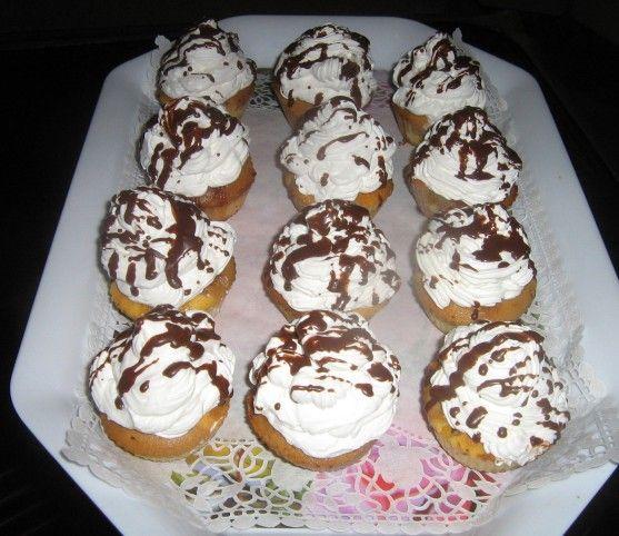Egy finom Somlói galuska muffin ebédre vagy vacsorára? Somlói galuska muffin Receptek a Mindmegette.hu Recept gyűjteményében!