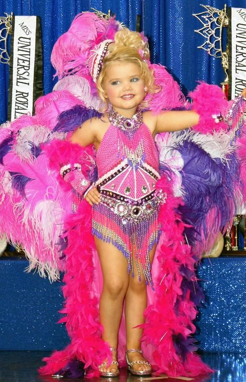 Banning child beauty pageants essay