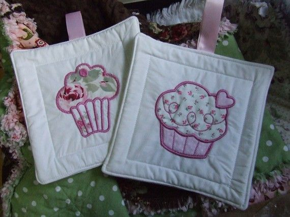 CupCake Embroidered Applique Cup Cake Pot Holder by YankeeFashions
