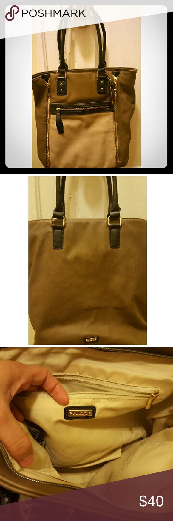 Aldo tote Very nice leather Aldo tote bag, large size, very good quality but have a very little chip on the handle Aldo Bags Totes