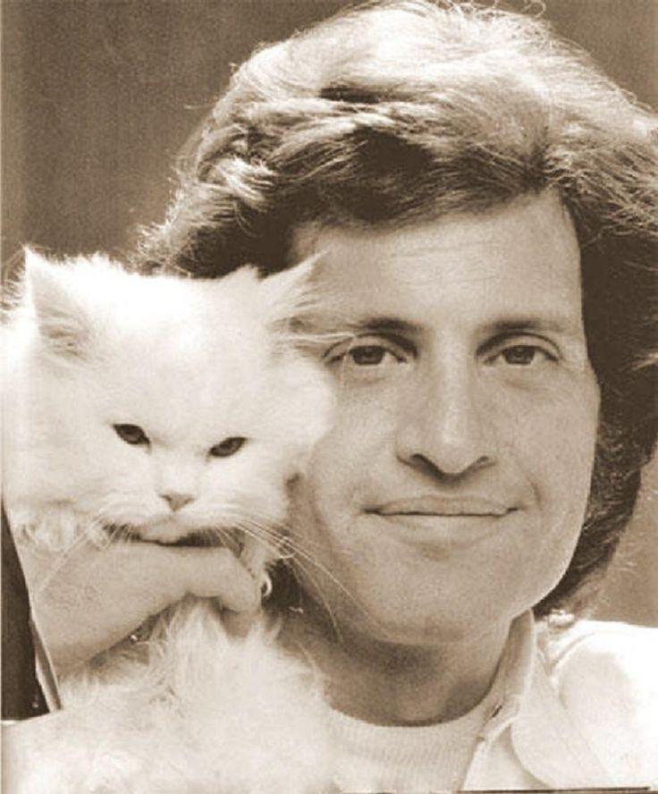 Joe Dassin, gevoelige mooie rustige songs, een van mijn favoriete franse zangers. iw