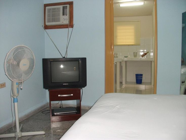 Casa Hostal Plaza  Owner:                        Brandy Viera  City:                            Cienfuegos  Address:                      Calle 45 No.2814 e/ 28 y 30 . Reparto Punta Gorda