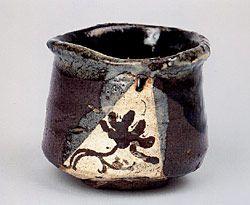 Oribe Ware, Kikumon 菊文茶碗, 17th century, Japan