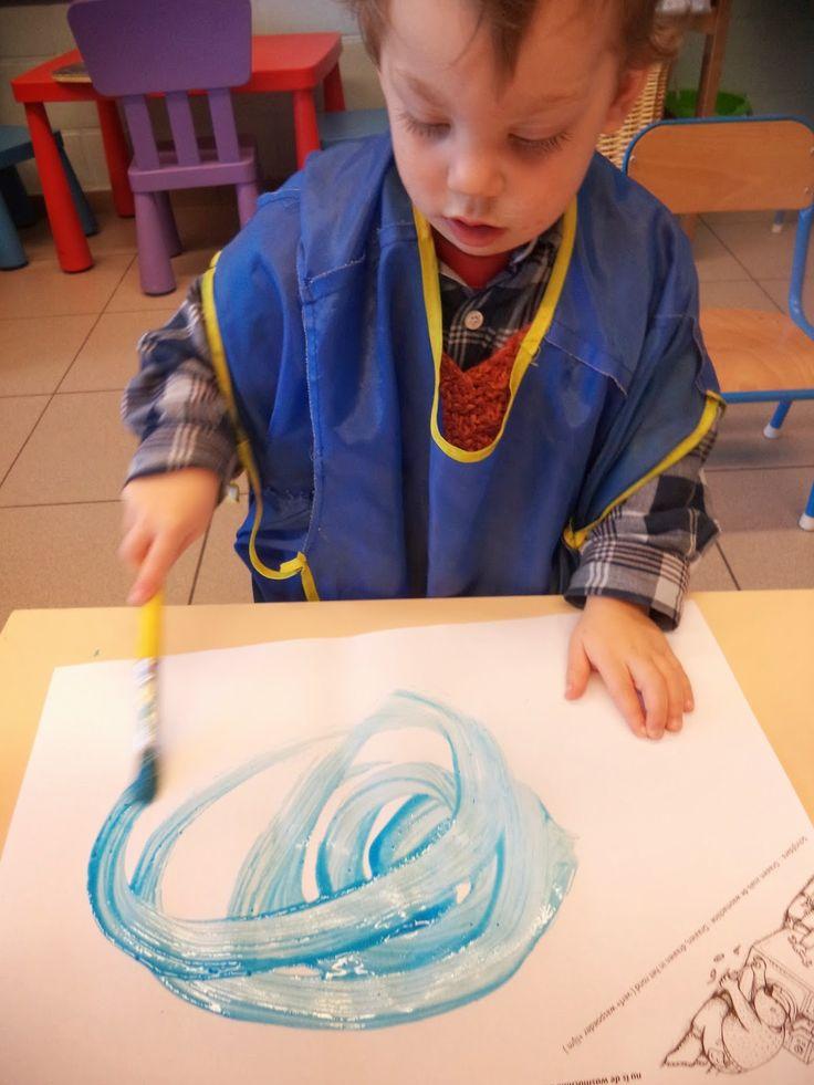 Berre vindt een papiertje: schilderen met verf en waspoeder (wasmachine)
