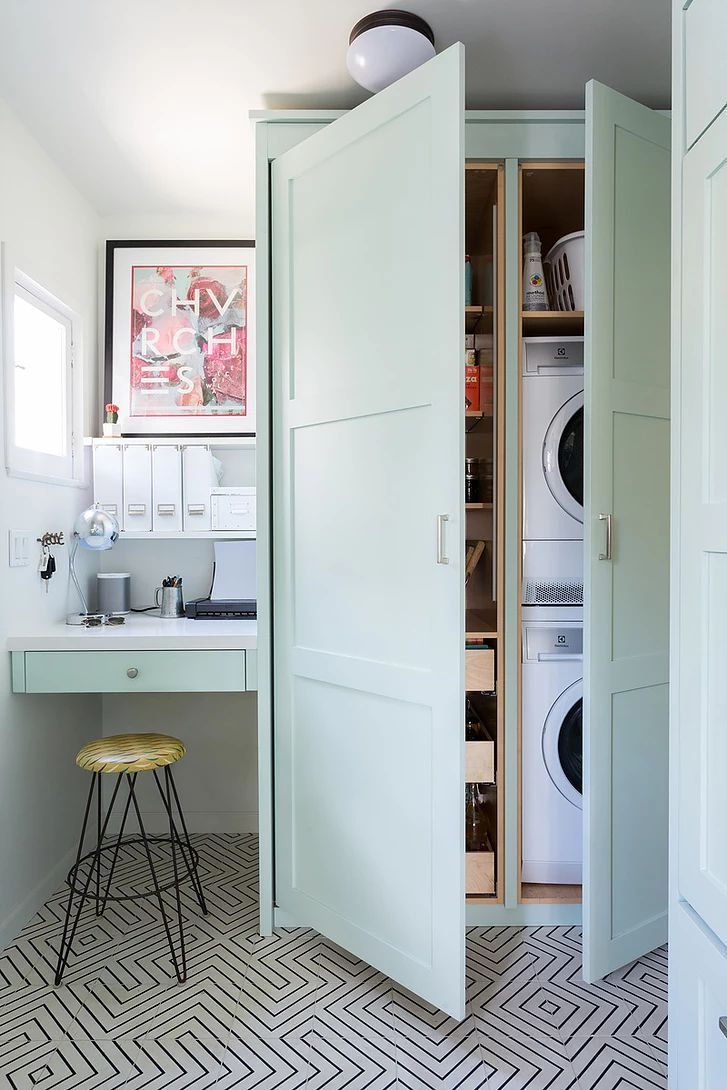 Concealed Pantry And Laundry Storage Tall Cabinet Doors Mint Green Cabinet C Cabine Schrank Farbe Vorratskammer Schrank