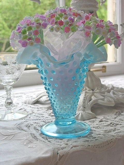 vintage blue glass vase blue home vintage flowers glass decorate vase crystal flower power. Black Bedroom Furniture Sets. Home Design Ideas