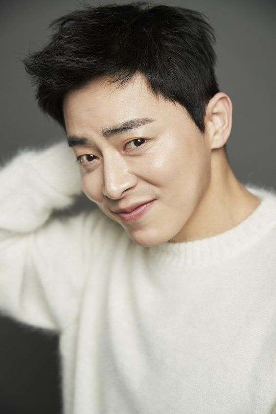 """[Interview] """"Two Cops"""" Jo Jung-suk Supports Hyeri"""