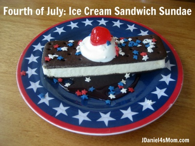 Ice Cream Sandwich Sundae #dessert #kids #4thofJulyFor Kids, Ice Cream Sandwiches, July Crafts, Patriots Ideas, Sandwiches Sundaes, 4Th Of July, July 4Th, Jdaniel4 Mom, Summer Camps