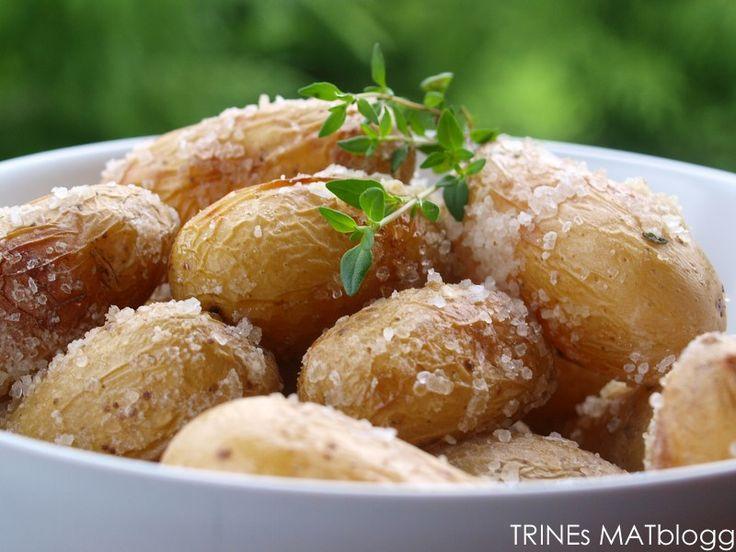 Saltbakte poteter er godt tilbehør til grillmat, tapas – og buffeter. Saltbakingen setter en ekstra spiss på potetene – og det beste av alt er at det er veldig enkelt og slår alltid god…