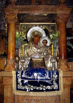 Φωτογραφία: Η Παναγία η Ιεροσολυμίτισσα Η Αχειροποίητη Αγία Εικόνα Της Παναγίας Ιεροσολυμίτισσας The Virgin Mary Ierosolymitissa The impalpable Holy Icon of Our Lady Ierosolymitissas --------------------------------------------------------- Η Παναγία Ιεροσολυμίτισσα. Η Αχειροποίητη Αγία Εικόνα της Παναγίας Ιεροσολυμίτισσας βρίσκεται στο Ιερό Προσκύνημα του Πανσέπτου Θεομητορικού Μνήματος στη Γεθσημανή. Η Αγία Εικόνα αγιογραφήθηκε τον 19ο αιώνα με θαυματουργικό τρόπο. Φέρει χρονολογία ...