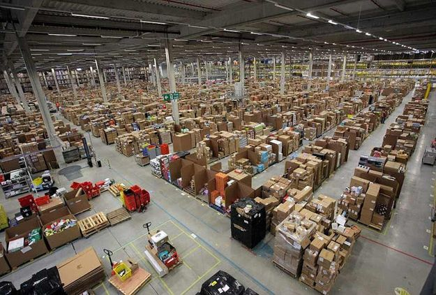 This Is What The Inside Of An Amazon Warehouse Looks