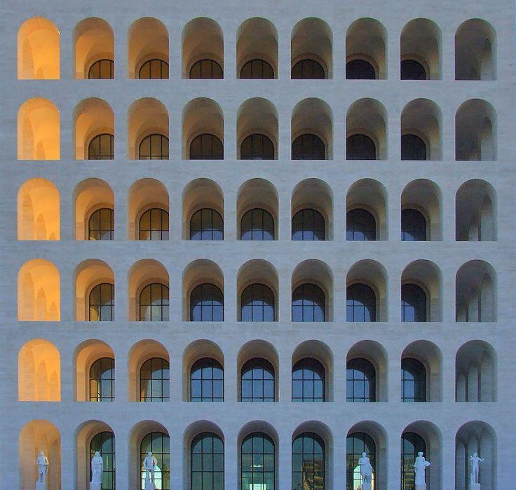Palazzo della Civilitá del Lavoro. EUR, Rome.