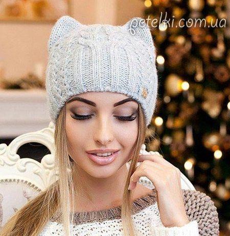 Вяжем женскую шапку Кошку спицами — описание и схема | Вязание Шапок Спицами и Крючком
