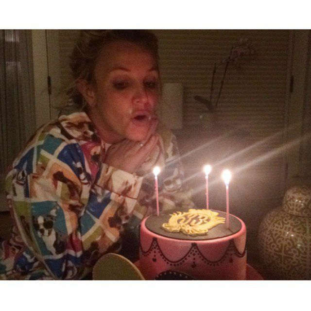 Pin for Later: 36 Signs Britney Spears Is Back, B*tch She doesn't need a club to celebrate. Nope, her 33rd birthday was a cozy, family-friendly affair.