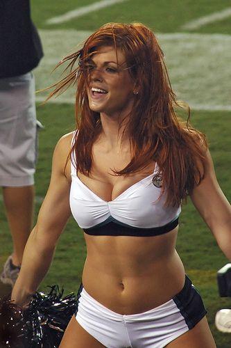 Eagles Cheerleader - Jennifer by brshafferphoto, via Flickr @dschmertz