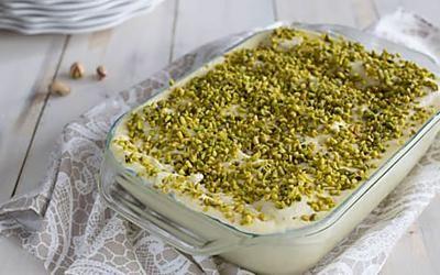 Tiramisù al pistacchio: ricetta facilissima e gustosa