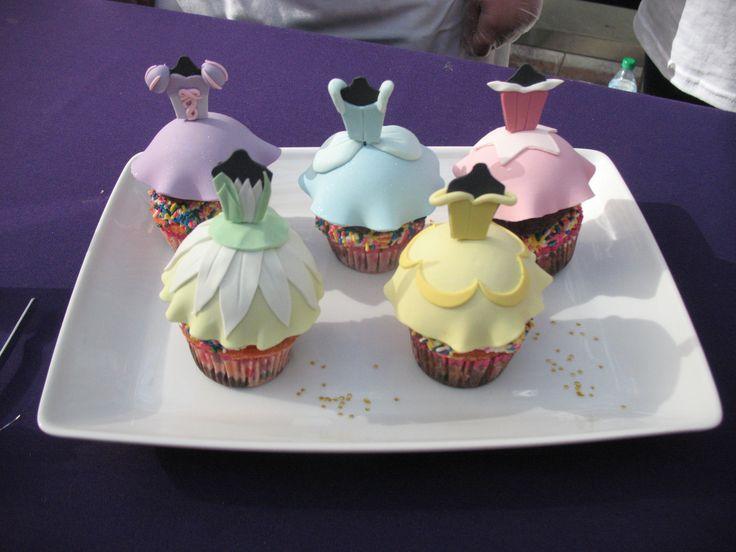 disney princess dress cake (minus the sprinkles)