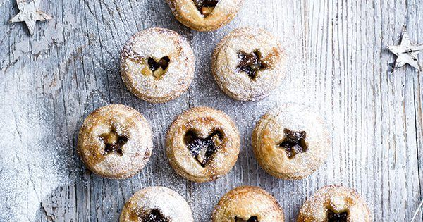 Put an imaginative on your usual mince pie recipe by adding shortbread pastry