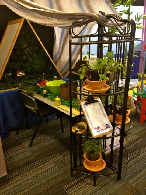 Sensory Table Station - provocations ≈≈ I love the triangle mirror for reflection!!! ≈≈ ≈≈ Early Life Foundations ≈≈ http://pinterest.com/kinderooacademy/provocations-inspiring-classrooms/