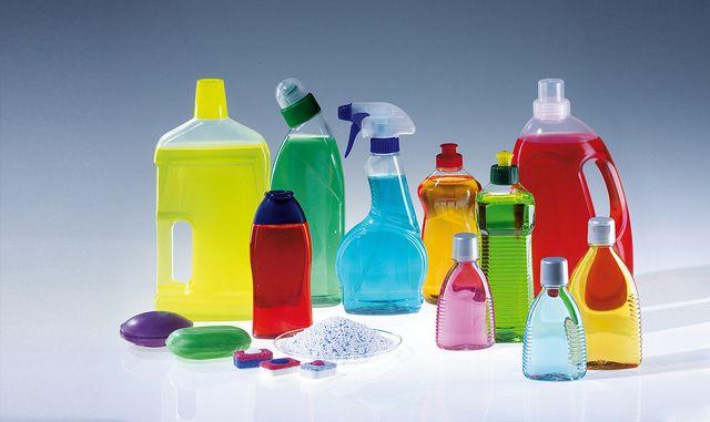 Stofzuiger, afstoffen, opruimen, ramen zemen. Er zijn altijd genoeg dingen te doen in huis. Maar wat is nou de meest efficiënte volgorde? Volg deze stappen en je huis is het best én snelst schoon en opgeruimd!