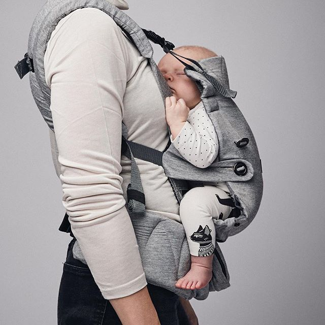 WEBSTA @ najell_official - Coming soon!!! The Omni newborn position creates the perfect support for your baby's back putting it in an ergonomic C-shape supporting your baby's development from day 1. #najell #omni #babywearing #gravid #pregnant #bf2016 #bf2017 #mother #cute #baby