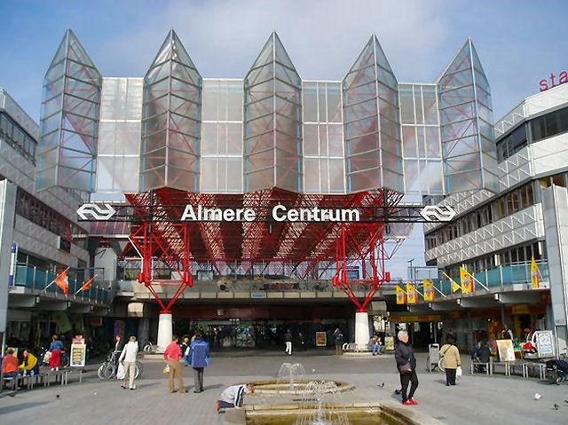 Station Almere