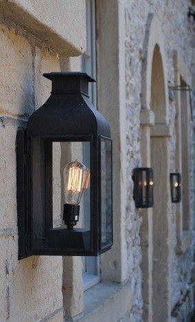 Wand lantaarn helder glas, verweerd messing. makkelijk bestellen | FOIR.NL!