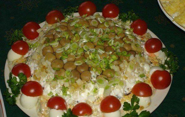 ТОП-5 ВКУСНЫХ И КРАСИВЫХ САЛАТОВ НА ПРАЗДНИЧНЫЙ СТОЛ   Наша кухня - рецепты на любой вкус!