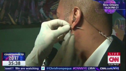 Don Lemon Gets His Ear Pierced for New Years Live on CNN #news #alternativenews